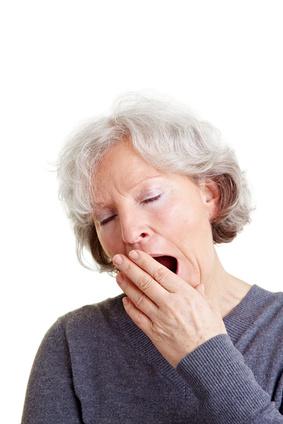 große Müdigkeit verursacht durch Wechseljahres bedingte Schlafstörungen